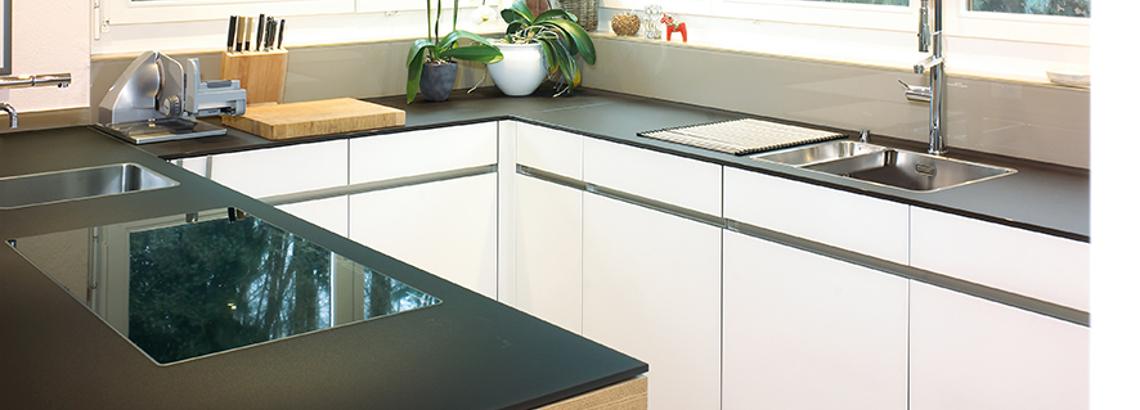 Küchenabdeckung aus pflegeleitem Glas