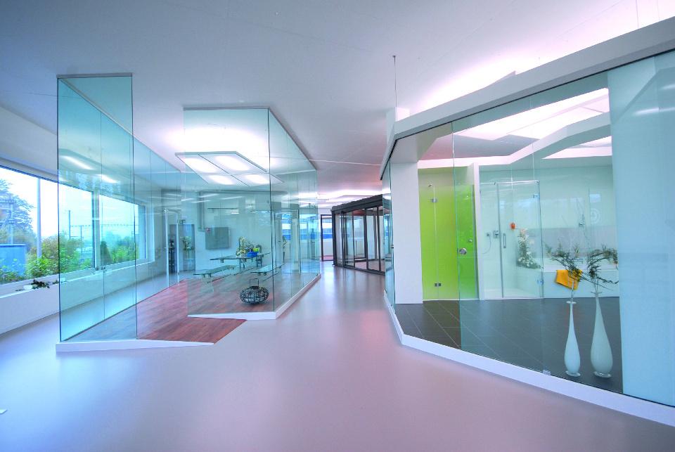 Glastür & Glasstrennwand