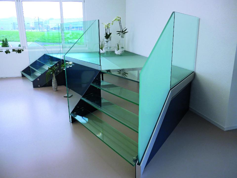 Geländer aus Glas und Treppenverglasung