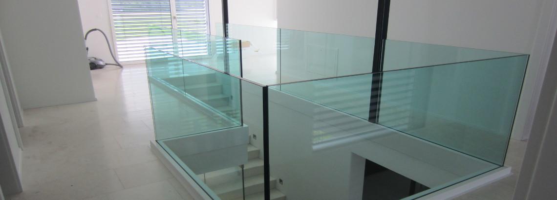 Glasgelander Innen Modern Und Absturzsicher Glas Reinhard Ag